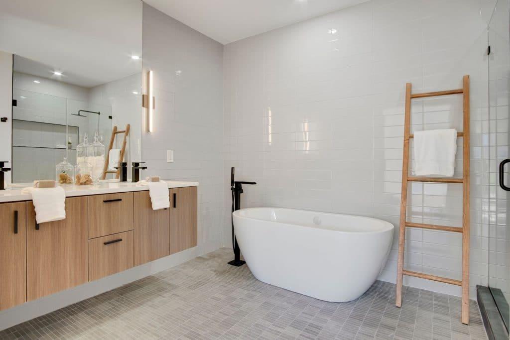 olamar-interiors-webster-st-tub