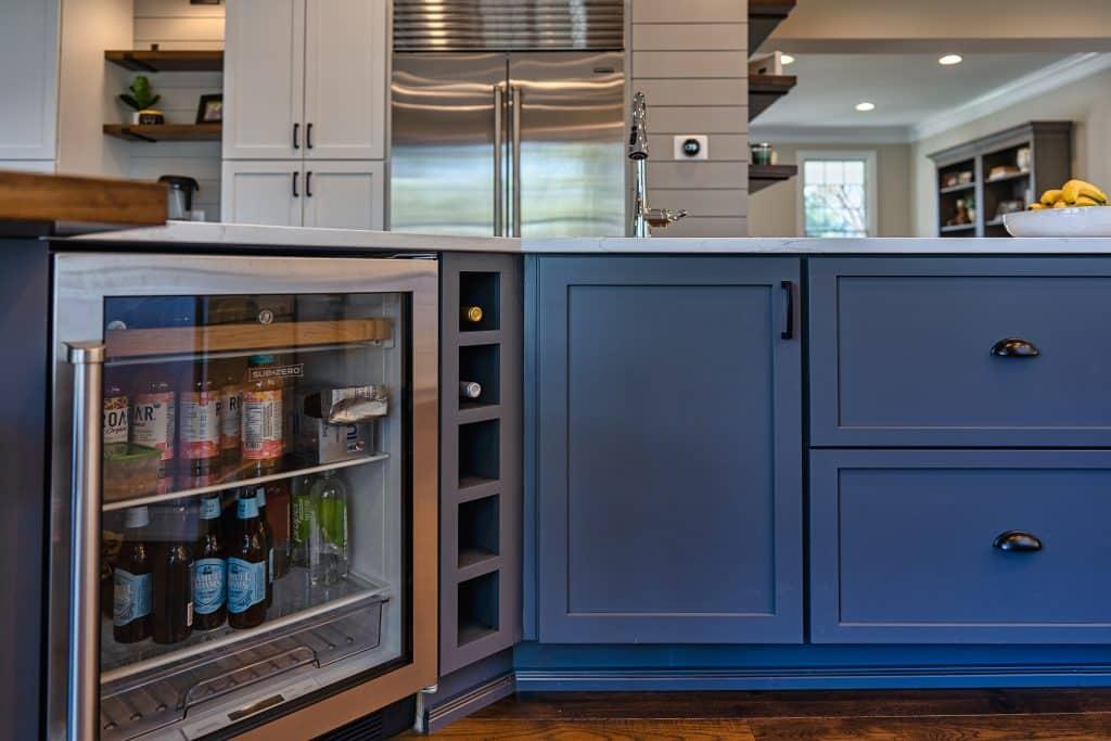 olamar-interiors-kitchen-cooler