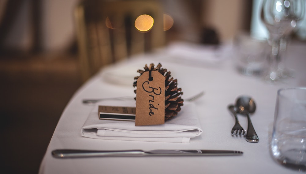 olamar-thanksgiving-pinecone-place-setting